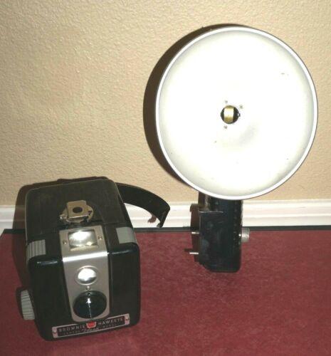 VINTAGE Kodak Camera & Flash : Brownie Hawkeye Flash Model - UNTESTED