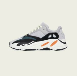 Yeezy boost 700 wave runners $550 cash size 8.5