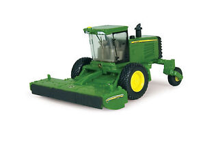 John Deere 1/64th Scale R450 Self Propelled Windrower TBE45208