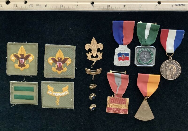 VINTAGE BOY SCOUTS MEDALS AND PATCHES, 1960's