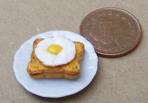 1-12-Scale-2-5cm-Plate-Of-Egg-On-Toast-Dolls-House-Miniature-Food-Accessory