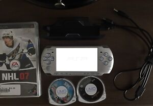 PlayStation Portable PSP 3001 silver