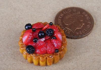 - 1:12 Scale Mixed Berry Flan Tart 2.2cm Tumdee Dolls House Dessert Accessory D37