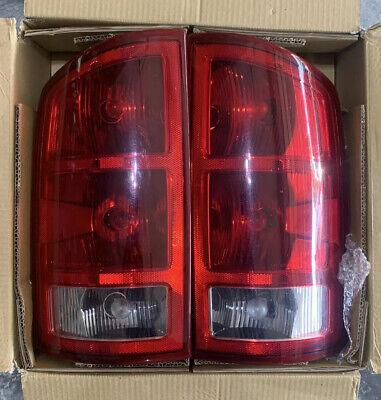 Halogen Tail Light Set For 2002-2006 Dodge Ram 1500 Clear & Red Lens 2Pcs