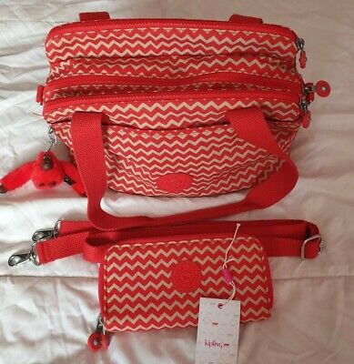 Kipling bag And Matching Uzario Purse. Great condition.
