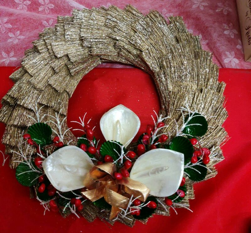 "12"" Holly Lillies Christmas wreath  SILVESTRI  Gold  Vintage"