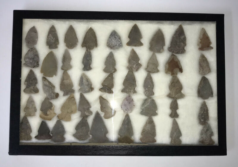 Lrg Group of 45 Assorted Authentic Native American Arrowheads/Artifacts In Case
