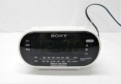 Sony Dream Machine ICF-C318 Automatic Time Set Clock Radio with Dual Alarms G3