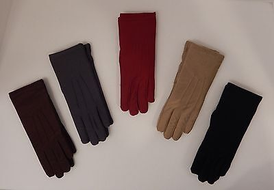 ISOTONER BLACK BROWN GRAY OR RED WOMEN'S CLASSIC GLOVES WARM LINED - GREAT GIFT