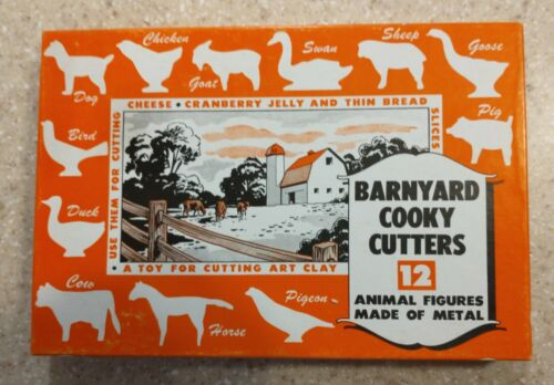 Barnyard Cooky Cutters 12 Metal Animal Figures Set
