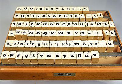Buchstaben vintage Alphabet Schrift Holzbuchstaben