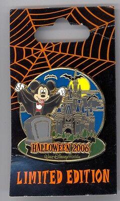 Disney Halloween Castle (Disney Halloween Tombstone Mickey Mouse Dracula Vampire Cinderella Castle LE)