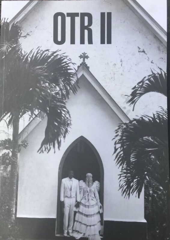 BEYONCE JAY-Z OFFICIAL OTR II WORLD TOUR BOOK PROGRAM Rare ON THE RUN 2 DAMAGED