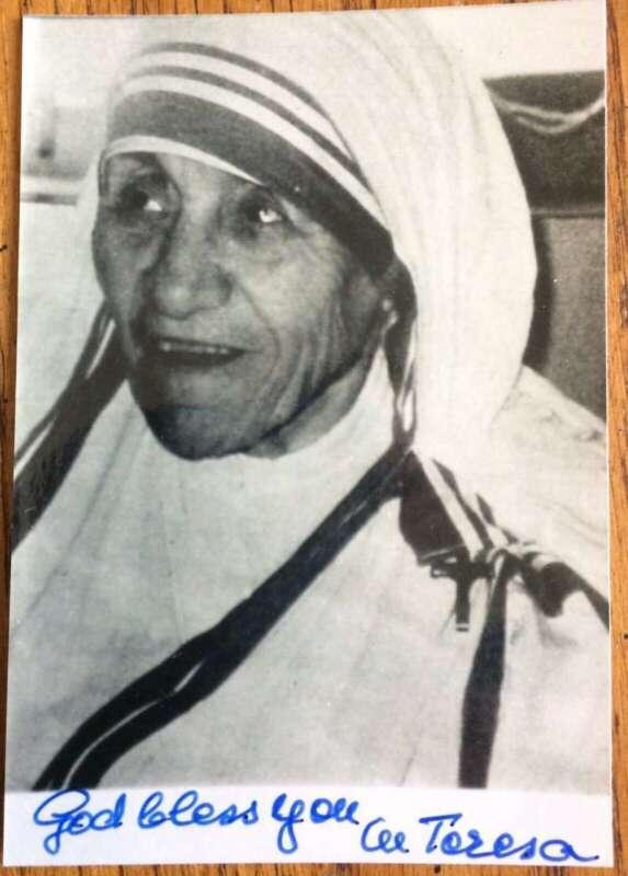 Mother Teresa Signed Autographed 2.75x5 Photograph Beckett BAS 10