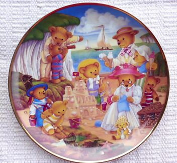 TEDDY BEAR BEACH PARTY LIMITED EDITION FRANKLIN MINT PLATE & COE Chadstone Monash Area Preview