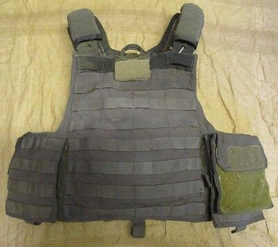 EAGLE INDUSTRIES RELEASABLE PLATE CARRIER WITH PLATES. RANGER GREEN. M. RBAV.