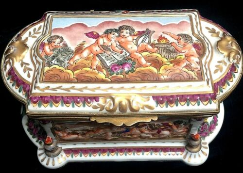 Beautiful Antique Capo Di Monte Valentines Large Cherubs Jewelry Box Casket