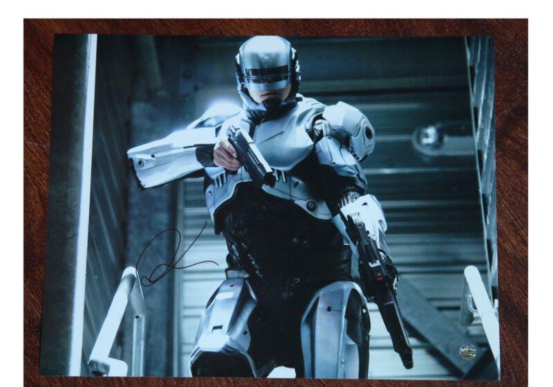 GFA RoboCop Movie * JOEL KINNAMAN * Signed 11x14 Photo MH1 COA
