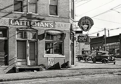 1938 Vintage Bar Saloon PHOTO Schlitz Beer Sign Great Depression Omaha Nebraska