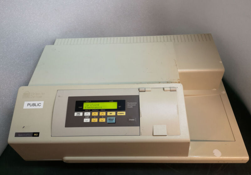 12762 Molecular Devices Microplate Reader Spectramax M2