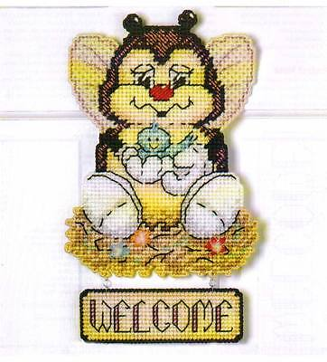 SPRING BUG WELCOME SIGN PLASTIC CANVAS PATTERN INSTRUCTIONS
