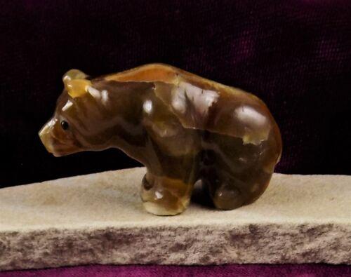 """ZMT Small Zuni Bear Fetish by Fred Bowannie - Nutria """"Sugar Daddy"""" Travertine"""
