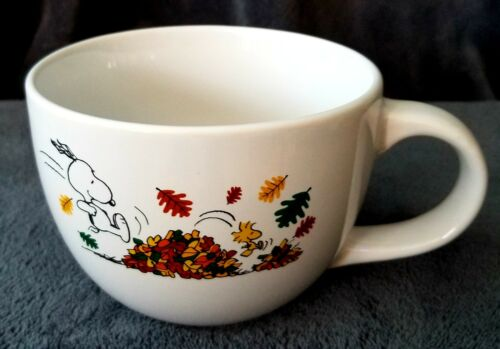 NEW Peanuts Snoopy Woodstock Fall Leaves Autumn Soup Mug Coffee Cup