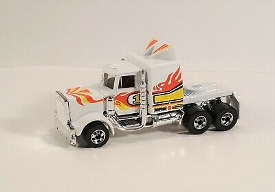 VINTAGE 1982 MATTEL HOT WHEELS LONG SHOT WHITE SEMI TRUCK WITH FLAMES