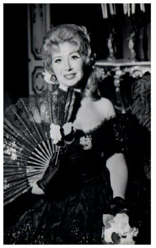 Vintage BEVERLY SILLS 1970 RPPC Photo Postcard Signed by Legendary Opera Singer