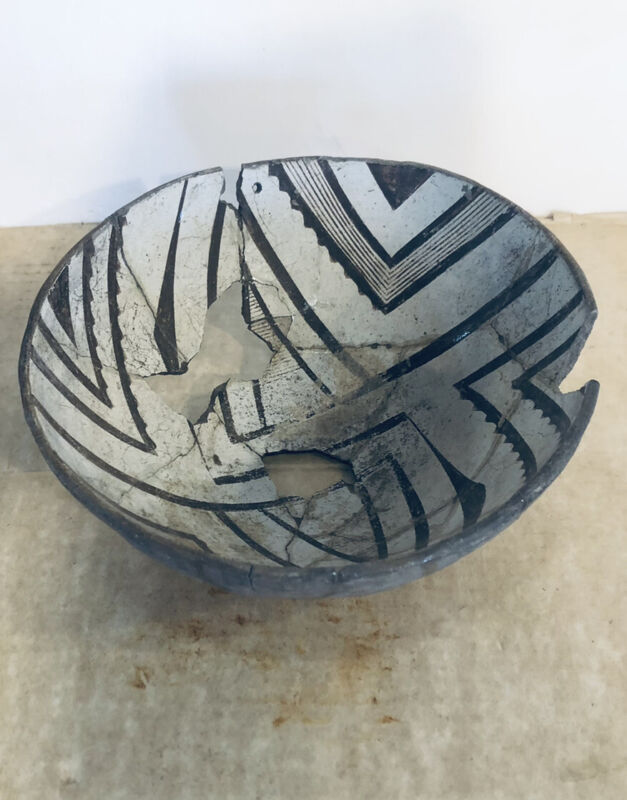 Antique Pre Historic Anasazi Pot Pottery