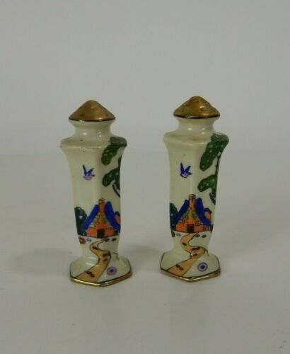 Salt and Pepper Shakers Ceramic/Porcelain Asian Scenery Japan #37522