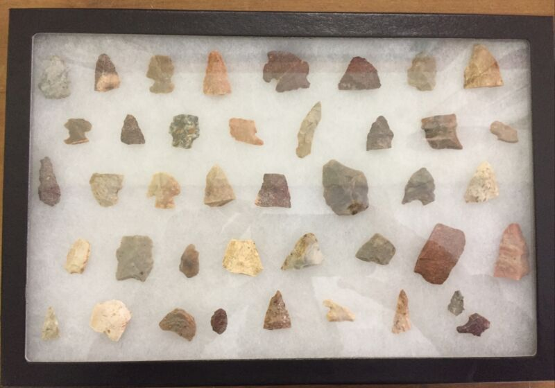 41 Arrowhead & Tool Relics From Midwest & Southwest Camp Sites In Frame Sn1130