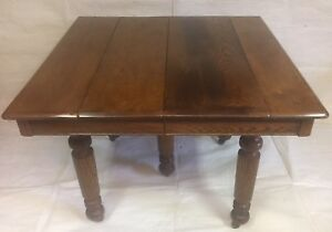 Antique oak dining room table very good condition
