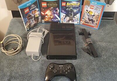 Nintendo Wii U 32GB Console Zelda Bundle Works Great