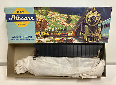 Athearn HO Scale Undecorated 3-Bay Covered Hopper Car Kit #5300 Covered Hopper 3 Car