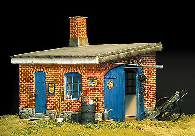 PLUS MODEL #299 Garage für Diorama in 1:35