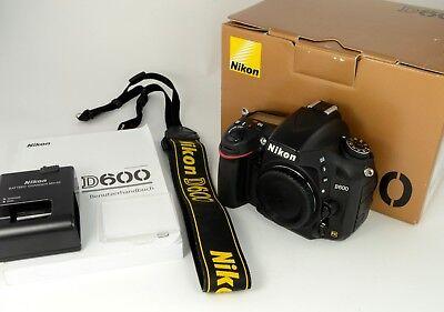 Nikon D600 DSLR Kamera / Body / Gehäuse gut erhalten