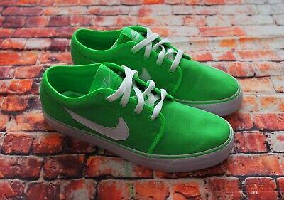 Nike Toki Low TXT Green White Trainers Sneakers 2012 UK Size 8