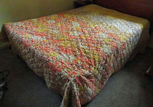 "Vtg Mid Century Yellow Salmon Green Floral Heavy Comforter Sz King 105L"" x 97W""!"