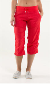 LULULEMON Dance Studio Pant cropped unlined Red Size 4 LIKE NEW
