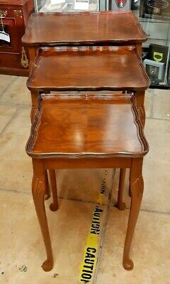 Vintage Mahogany Bow Leg Nest of Occasional Tables