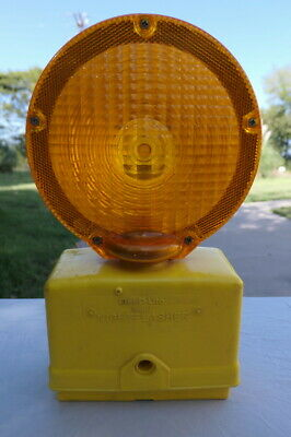 Flex-o-lite Nightflasher Orange Construction Safety Barricade Signal Light Works