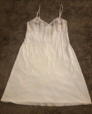 Applause*Women's Vintage Creme Colored Full Slip*Size 36*GVC