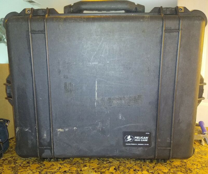 Pelican 1600 Large Case without Foam Black Sturdy Four Fastenings FREE SHIP
