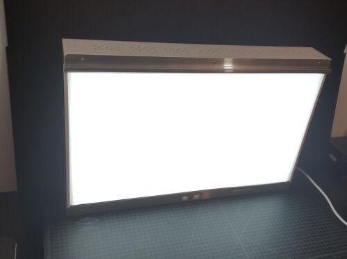 S&S X-Ray Film Illuminator 28.75 x 19 X 4 LARGE Light Box -  Model: 200022