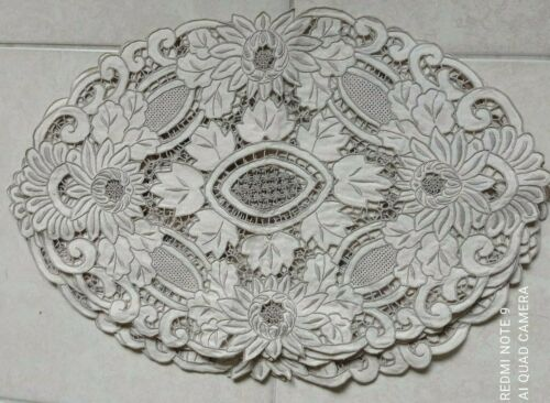 Vintage MADEIRA Cutwork Embroidery Set of 6 Oval 21x 14 Placemats Linen