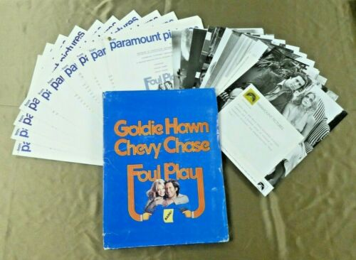 Foul Play Movie Press Kit Goldie Hawn Chevy Chase Folder Booklets 17 Photos
