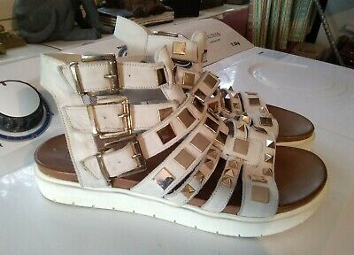 """Gorgeous Studded White Leather Gladiator Sandals by """"Inuovo"""" Size 39 (6)"""
