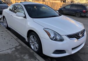 Nissan Altima coupe 2010