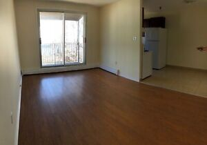 2 BEDROOM APT. ON DARTMOUTH WATERFRONT AVAIL. DECEMBER 1